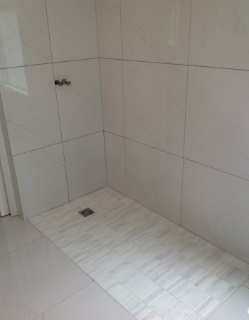 Curbless Showers 171 Aga Tile Bathrooms Amp Kitchens